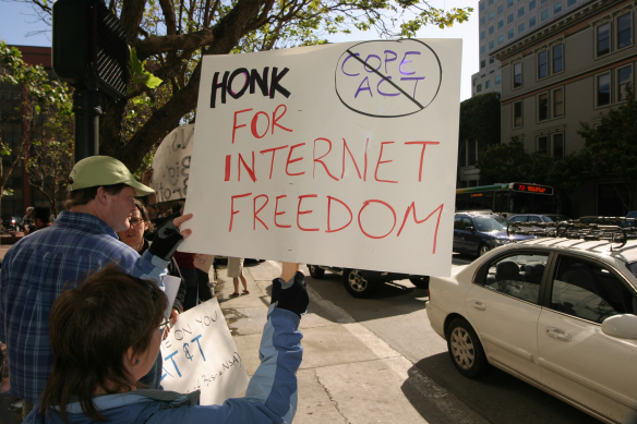 Honk_for_Internet_Freedom_1