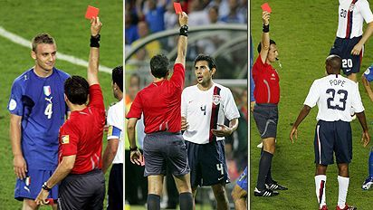 Soc_3redcards_412_1